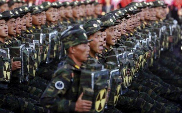 Автоматы и ядерные боеголовки: КНДР по-своему открыла Олимпийские игры