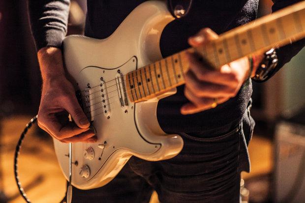 """457 гитар и самое масштабное исполнение """"Highway to Hell"""" AC/DC: австралийцы установили мировой рекорд. Послушайте, насколько это мощно"""