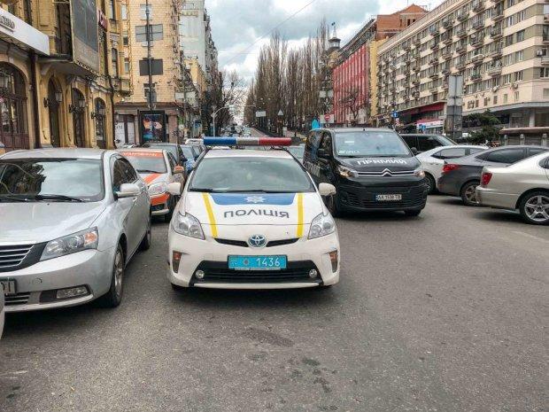 Харківський коп жорстоко побив пенсіонера, містяни повстали проти свавілля: що буде з перевертнем у погонах
