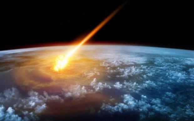 Гигантский метеорит рухнул на Землю: зрелищное видео