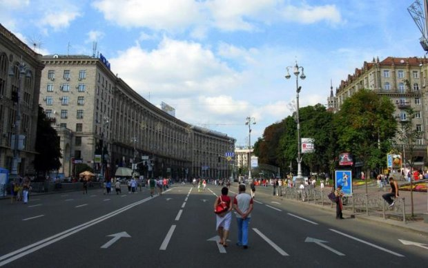 Пішохідну зону на Хрещатику хочуть збільшити