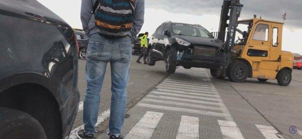 Купівля автомобіля, фото: скріншот з відео