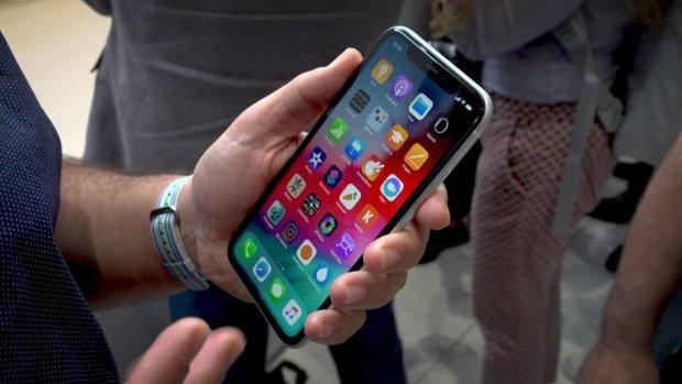 iPhone XR: Apple назвала цену за ремонт флагмана