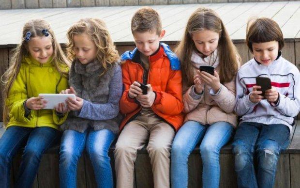 Ради детей: бывшие сотрудники восстали против Facebook и Google