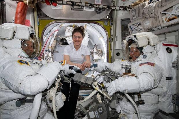 Дамы, вперед: в NASA планируют впервые выпустить в открытый космос женщин