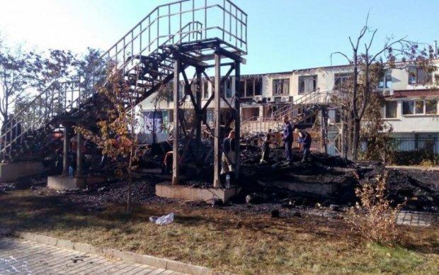 Жалоба та вимога покарати винних: реакція Одеси на пожежу у таборі