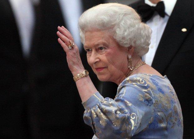 Страшная потеря в королевской семье: Елизавета II не находит себе места