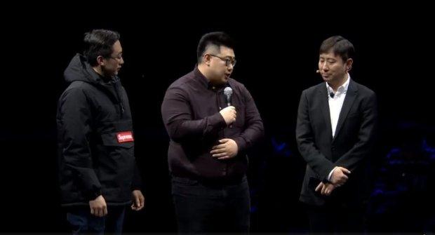 Презентація колаборації Samsung і Supreme