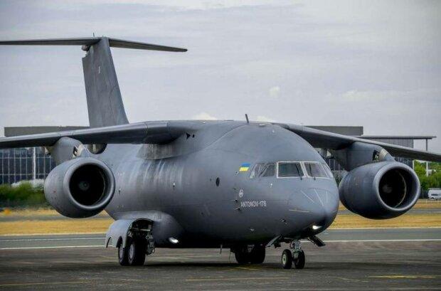 """Новейшие украинские самолеты нашли своего первого покупателя: заграницей в восторге от наших """"птичек"""""""