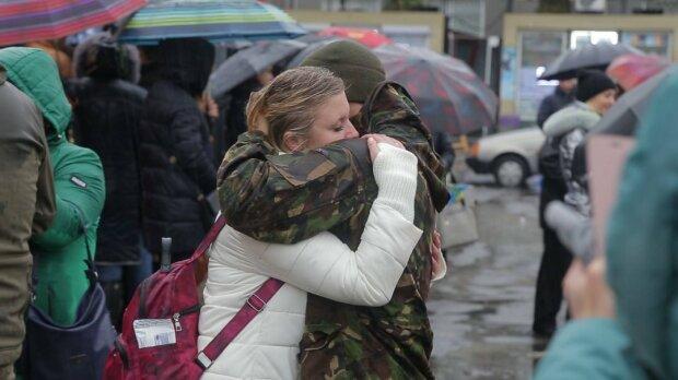 """""""Жди меня, и я вернусь"""": во Франковске жены военных показали мощный пример всей Украине"""
