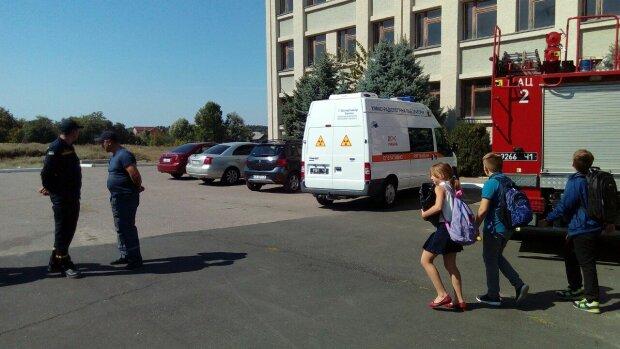 В живіт та голову: на Київщині 11-річного школяра жорстоко побили однокласники