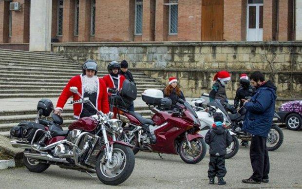 Київ окупують Діди Морози на байках