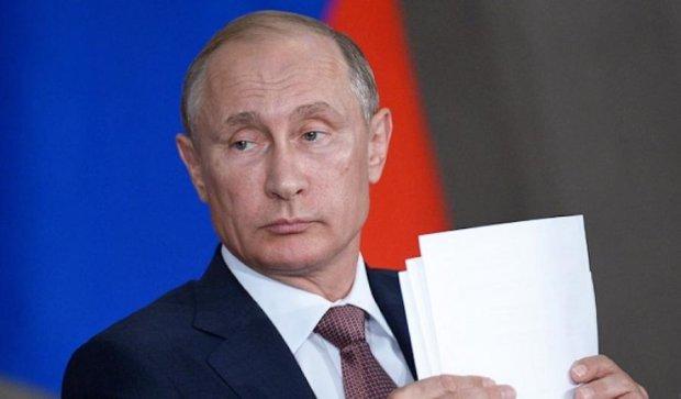 Як світ купився на краватку Путіна