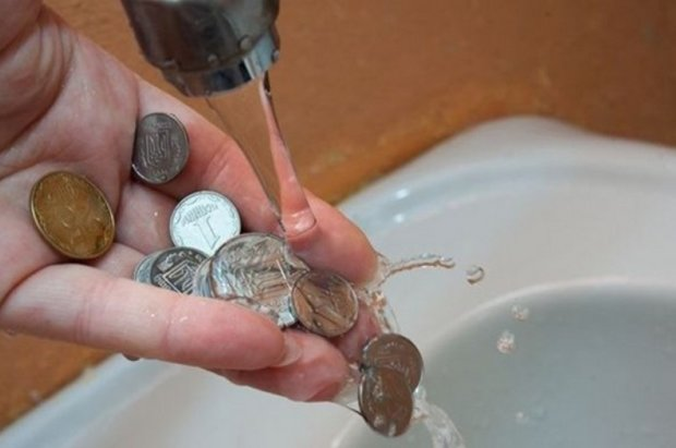 """Тарифи на воду стануть золотими: коли чекати чергового """"покращення"""""""