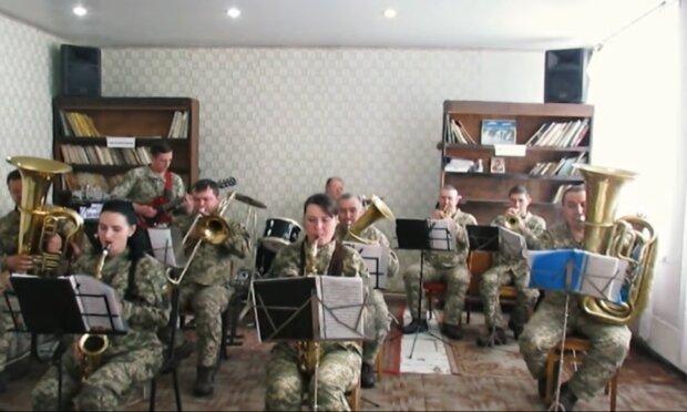 "Оркестр 93 бригади ""Холодний яр"", facebook.com/93OMBr"