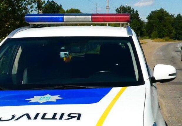 У Чернівцях копи врятували хлопця від невірного кроку: облився бензином і черкнув сірником