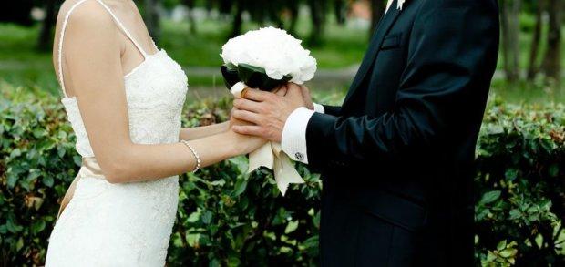 Влиятельный бизнесмен одновременно состоял в браке с тремя женщинами. Его жены не подозревали о существовании друг друга, а они практически соседки