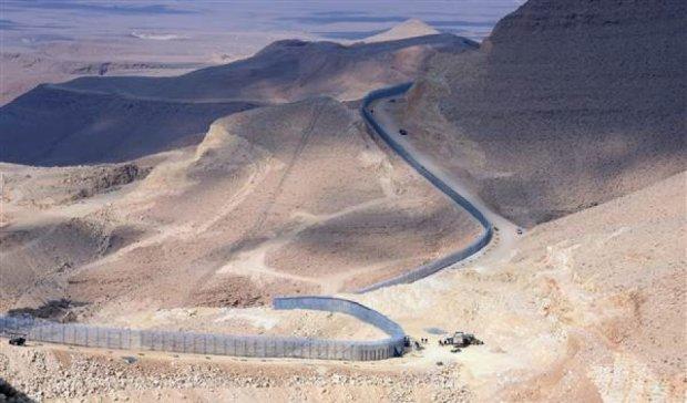 Ізраїль відгороджується від бойовиків 30-кілометровим парканом
