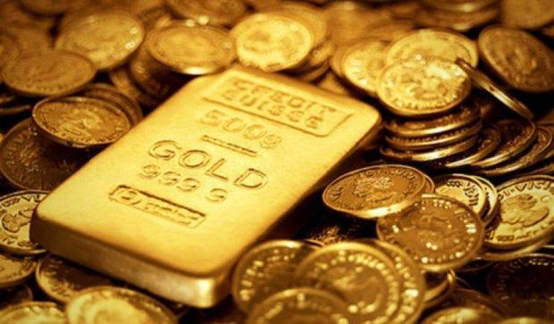 Ціни на золото  досягли свого мінімуму за останні два роки