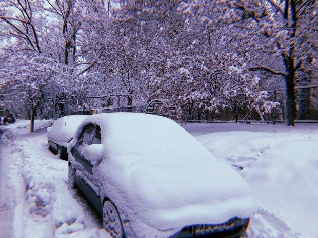 Под Киевом выпал июньский снег - природа сошла с ума, ледяные кадры