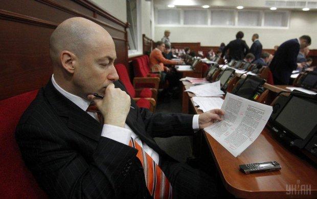 """""""Жити в л**ні"""": Гордон пояснив українцям, хто голосує за Порошенка"""