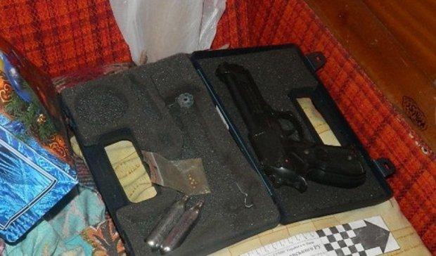 У киевского подростка изъяли мачете, биту, кастет и газовый пистолет