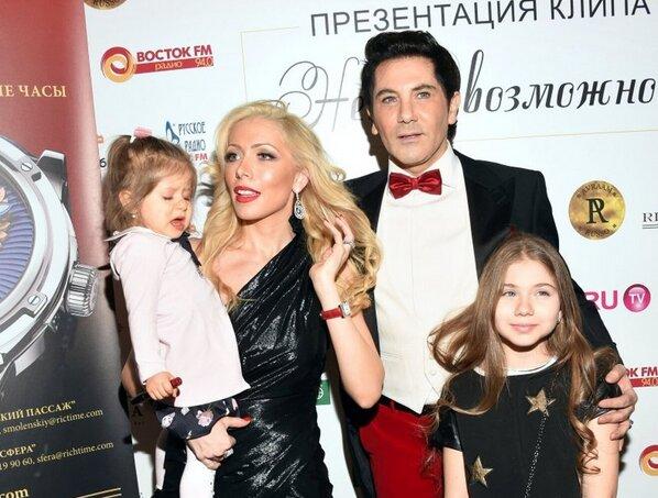 Авраама Руссо с женой и детьми, фото из свободных источников