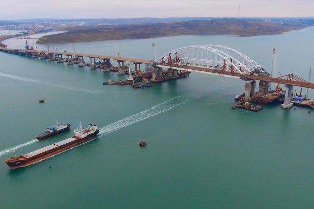 """Під Кримським мостом виявили страшний """"спогад"""": цей жах поховало море"""