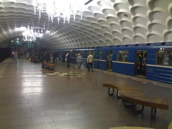 В Харькове возле метро пес набросился на мужчину: хозяин пообещал натравить еще