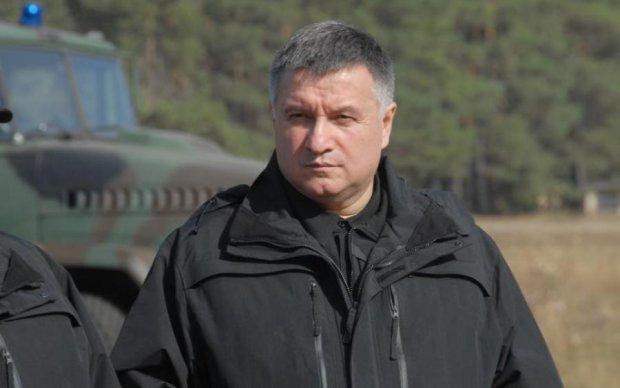 """У Авакова ответили на задержание сына """"войной"""" и прочими нелепостями"""