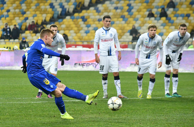 Динамо виграло в Чорноморця і почало наздоганяти Шахтар
