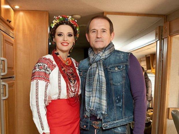 В.Медведчук: Вовлекать жену и семью в грязные разборки я себе никогда не позволяю