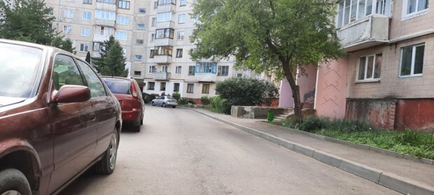 Тернополянин розбився на смерть, визирнувши у вікно - місто на вухах, яке горе