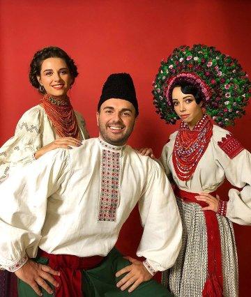 Українські зірки в національних строях з явилися на сторінках ... e7e746fa0b938