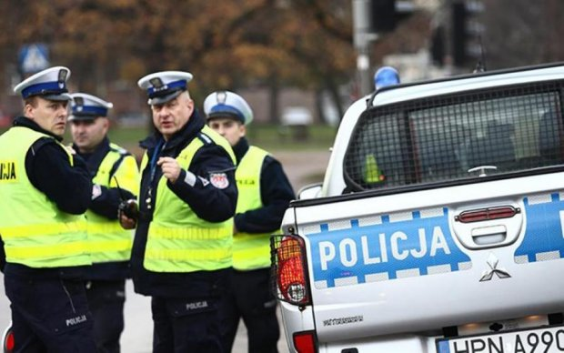 Хроническая усталость: в Польше бастуют копы