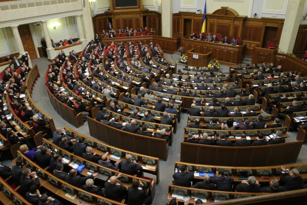 """""""За"""" і """"проти"""" чого голосуватимуть нові нардепи: повний порядок денний Верховної Ради"""