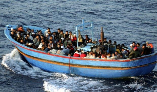 Човен з африканськими емігрантами потонув у Середземному морі