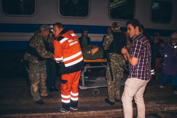 ЧП на железной дороге во Львове: парня разрезало пополам