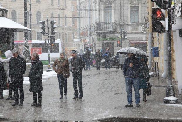 Погода на завтра: северный циклон заморозит всю Украину
