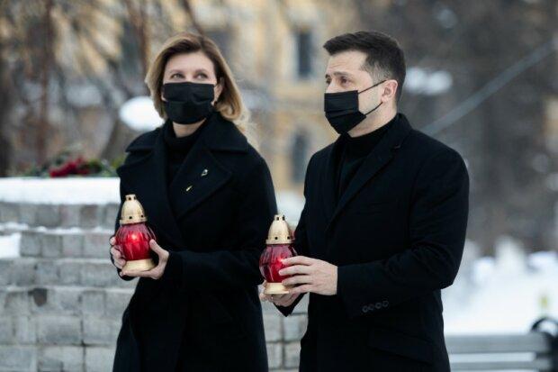"""Президент Зеленский и первая леди почтили подвиг Героев Небесной Сотни: """"Мы не имеем права забыть"""""""