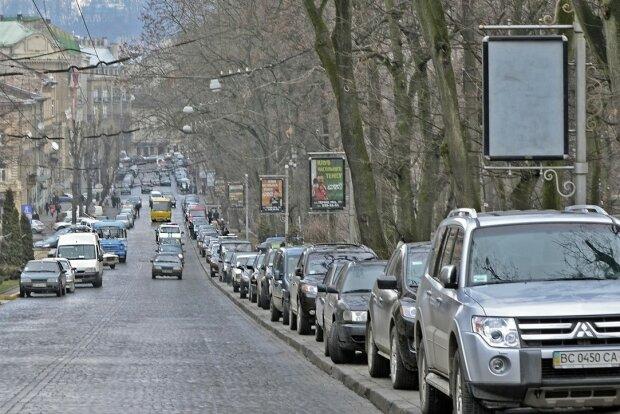 """В Виннице готовят удар по героям парковок, """"как попало"""" не получится: детали ноу-хау"""