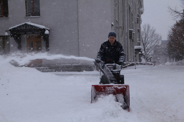 Погода в феврале: тепло ненадолго заглянет в Украину