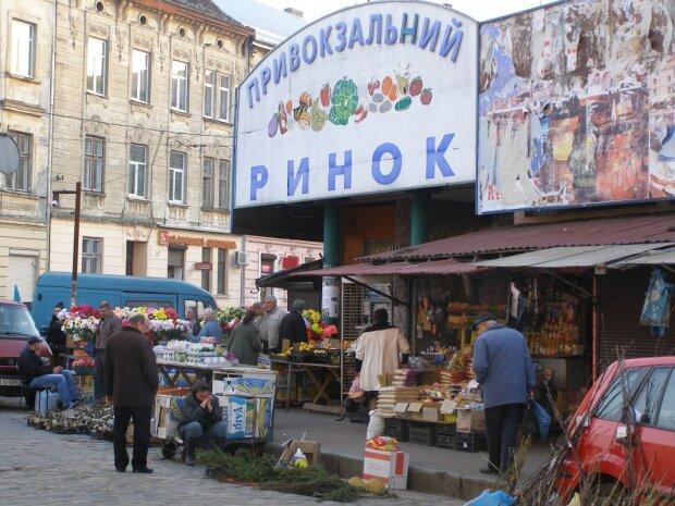У Садового взялись за Привокзальный рынок: сносите!