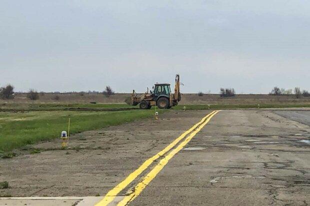 Експерт: «Слуга» Демченко отримує гроші від фірми, що зриває будівництво аеропорту в Дніпрі
