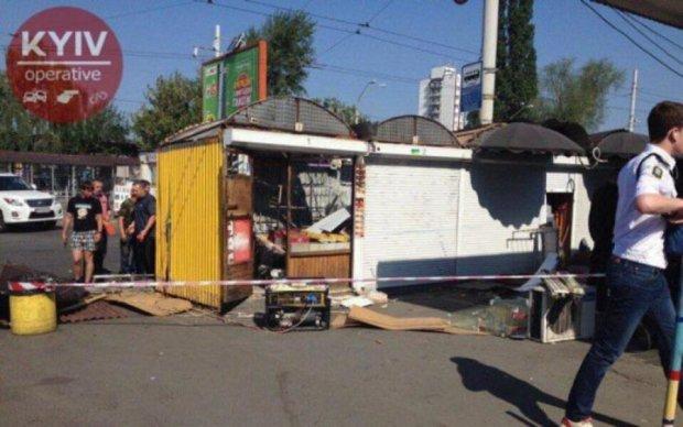 Київську Петрівку очистили від МАФів: фото