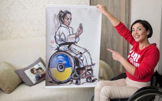 """Людям з інвалідністю подарували """"вільний"""" візок"""
