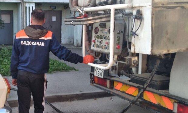 Працівник водоканалу, фото ілюстративне: Facebook Коломияводоканал