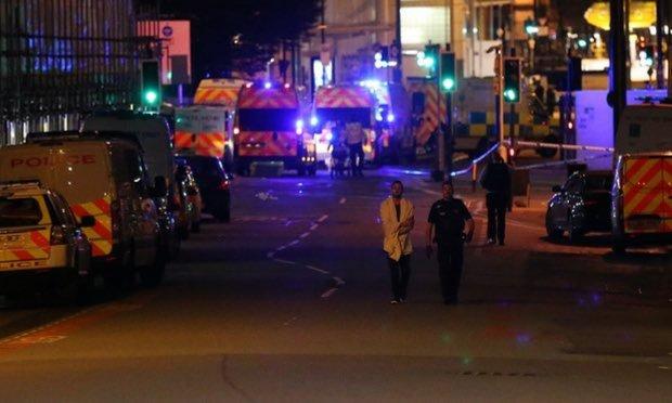Переполненный вокзал в Новой Зеландии сотрясла серия взрывов: нашли брошенные рюкзаки