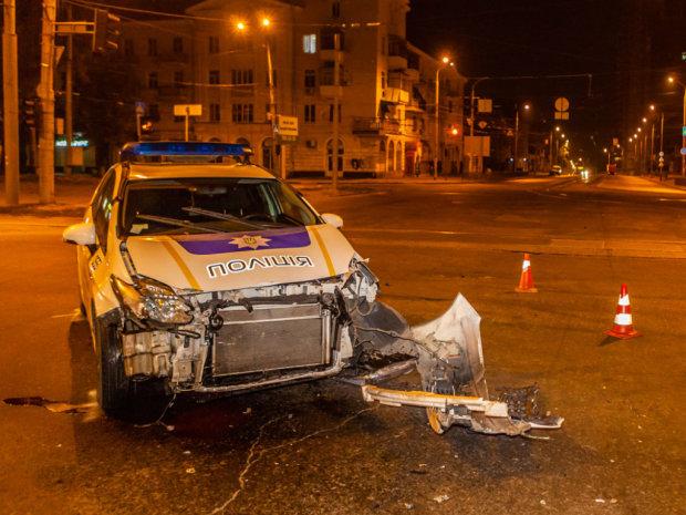 Полицейский сбил ребенка на переходе, медики делают все возможное: детали ДТП