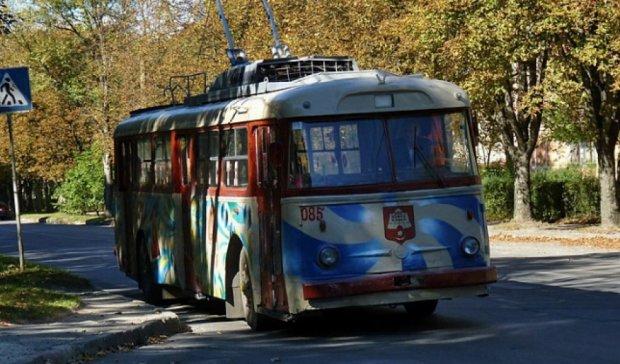 """У Тернополі запустили """"Тролейбус щастя"""" (фото)"""